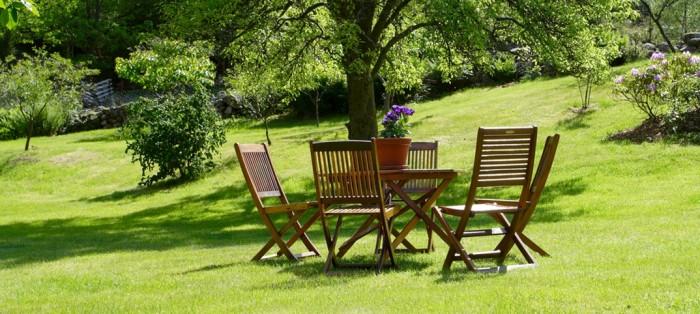 Gartenmöbel - Holz oder Metall?